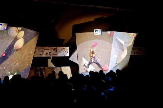 Champ Anna Stohr crushing in the final. ©Jen Randall, Light Shed Pictures