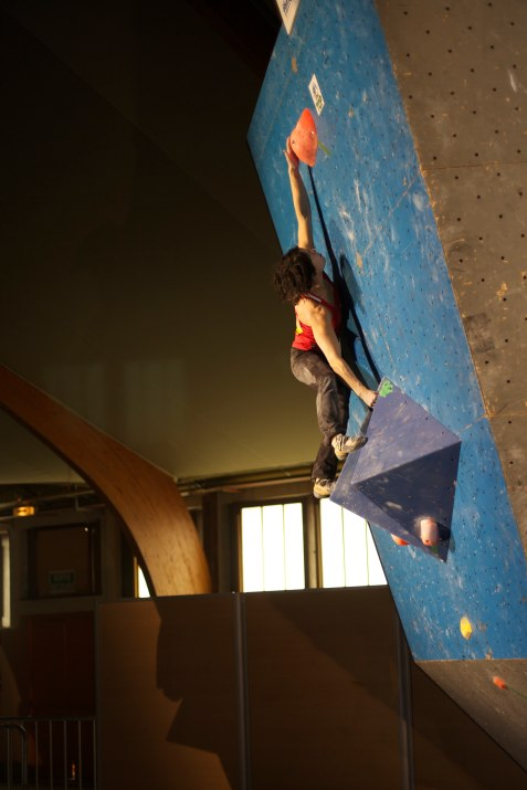 Thomasina Pidgeon reaching for a final hold in the qualifiers. ©Jen Randall, Light Shed Pictures